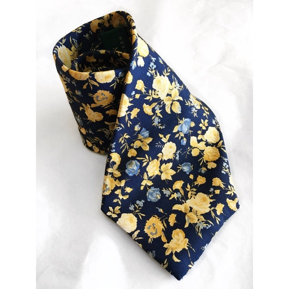 Lauren Ralph Lauren Other - LAUREN RALPH LAUREN SILK HAND FINISHED FLORAL TIE